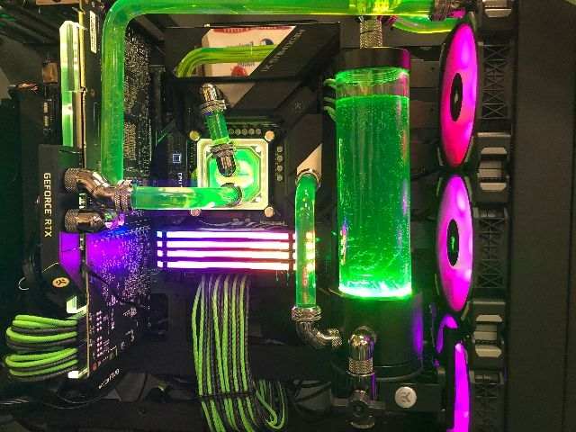 The Green Machine - Tier 5 Custom Water Cooled Gaming Rig thumbnail